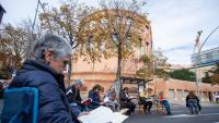 El tall de l'avinguda Jaume I, davant de la delegació del govern espanyol, amb els primers participants a la lectura reivindicativa, abans que se'ls n'afegissin més als jutjats