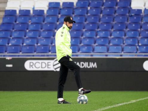 Machín té al davant el repte de guanyar el primer partit a casa