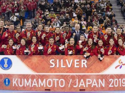 La selecció espanyola, al podi del mundial amb la medalla de plata