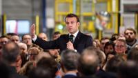 Macron, durant la seva visita a la farmacèutica AstraZeneca, ahir a Dunkerque