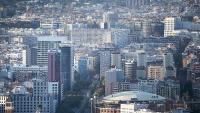 Vista aèria dels barris de Sants i les Corts, amb el centre de Les Arenes en primer terme