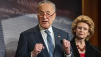 Schumer, líder de la minoria demòcrata al Senat dels EUA, criticant ahir les regles del procés de destitució