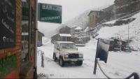 La nevada va sorprendre els veïns de Toses i també va afectar l'eix pirinenc, a la collada, on calien cadenes