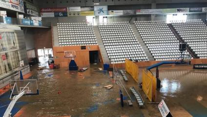 El pavelló de Fontajau totalment inundat