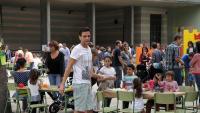 Activitats al pati a l'escola Verd de Girona, en una imatge d'arxiu