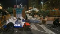 La zona del mercat de la plaça Catalunya , amb treballadors acabant de deixar-lo a punt ahir al vespre