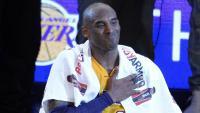 Imatge de Kobe Bryant, a l'esquerra, el dia de la seva retirada el 2016, en què va anotar 60 punts contra els Jazz. Amb Pau Gasol va guanyar en els Lakers dos anells de campió de l'NBA