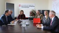 Reunió entre la consellera d'Empresa, Àngels Chacón, i la representant del consolat del Regne Unit, Jessica Griffhiths
