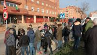 Lleidatans investigats pel tall de l'AP-7 a la Jonquera, davant de la comandància de la Guàrdia Civil