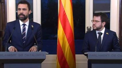 El president del Parlament, Roger Torrent, i el vicepresident de la Generalitat i conseller d'Economia i Hisenda, Pere Aragonès, durant l'acte de presentació dels pressupostos per al 2020