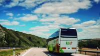 Els autobusos compartits afavoreixen la retirada de cotxes de la carretera i serveixen per reduir les emissions de CO2