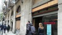 Els aparadors de la pastisseria Brunells, al carrer Princesa, tornaran a lluir, com ho havien fet durant dècades