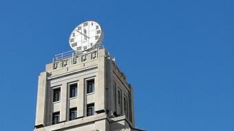 77 rellotges toquen hores a Barcelona