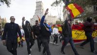 Manifestació feixista pel centre de Barcelona el 12 d'octubre