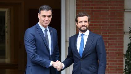 Sánchez i Casado abans de la reunió a La Moncloa