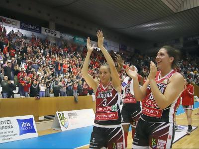 Laia Palau i María Araújo, al final del partit