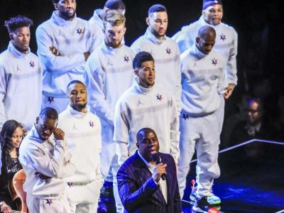 Magic Johnson va obrir l'homenatge a Kobe Bryant; a la dreta, LeBron James i l'MVP, Leonard
