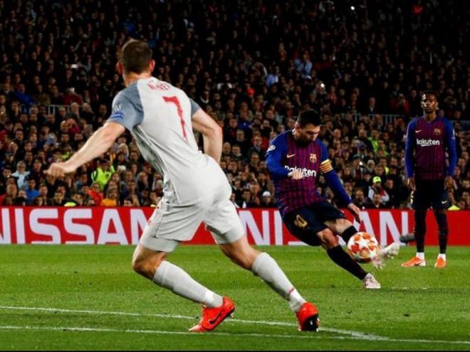 El memorable gol contra el Liverpool, una de les icòniques imatges de Messi del 2019 que es van poder veure en la cerimònia d'ahir a Berlín