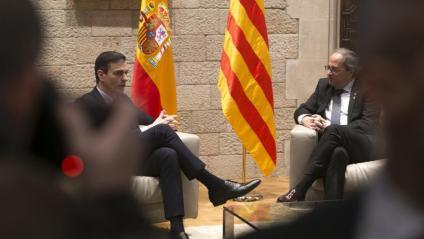 Pedro Sánchez i Quim Torra, durant la trobada el 6 de febrer al Palau de la Generalitat
