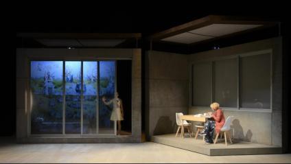 'Alba (o el Jardí de les delícies)' , de la companyia Atrium, plantejava una distopia en què uns personatges dialogaven amb un robot en un escenari tenyit per les il·lustracions d'El Bosch. Aquest és un dels reptes d'art digital que l'ICEC vol impulsar