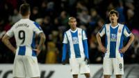 Els jugadors de l'Espanyol es lamenten després d'un gol encaixat davant el Wolverhampton.