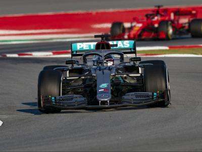 Hamilton, al davant de Leclerc a la xicana del Circuit