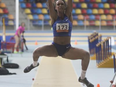 Maria Vicente va saltar 6,14 m en llargada.