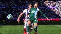 Embarba controla una pilota en el partit d'avui al José Zorrilla.