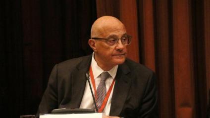 El president del Banc Sabadell, Josep Oliu, durant la seva compareixença a la Comissió d'Investigació del 155 al Parlament el 25 de febrer