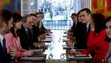 Els membres de les delegacions catalana i espanyola reunits a la Taula de Diàleg a la Moncloa