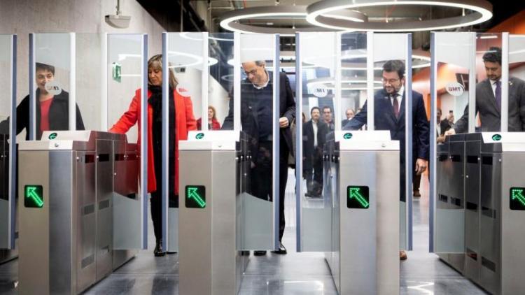 Autoritats en la inauguració de l'estació de metro Ciutat de la Justícia, de l'L10 del metro de Barcelona, el 23 de novembre de l'any passat.
