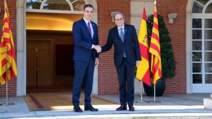 Pedro Sánchez rebent Quim Torra a la porta de La Moncloa
