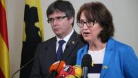 La presidenta de l'ANC Elisenda Paluzie i l'expresident català Carles Puigdemont al Parlament Flamenc el 9 d'ocutubre del 2018