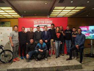 Els participants en la presentació del programa esportiu, ahir a Girona