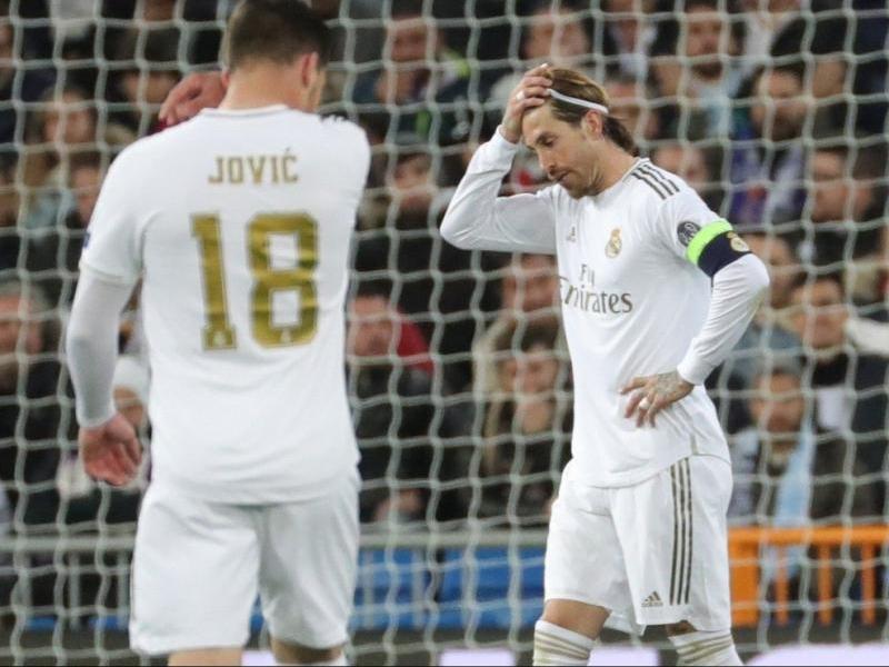 Sergio Ramos lamenta un final de partit que posa en suspens el futur del Madrid a la Champions