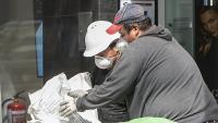 Treballadors d'una obra en curs durant el coronavirus