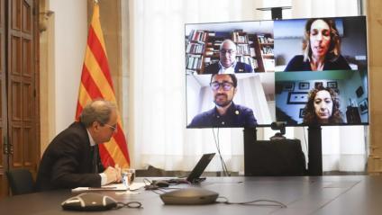 El president de la Generalitat, Quim Torra, encapçalant un Consell Executiu per vídeoconferència, amb Josep Bargalló, Àngels Chacón, Damià Calvet i Ester Capella