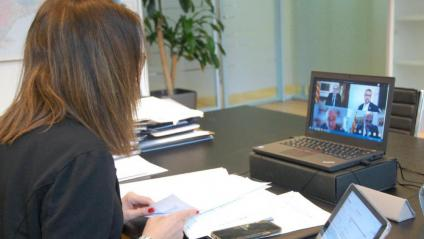 La portaveu del govern i consellera de la Presidència, Meritxell Budó, durant la reunió de l'executiu per videoconferència d'ahir