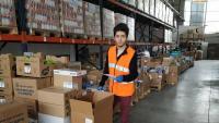 Marc Jorba al magatzem del Banc dels Aliments de Girona, on treballa de voluntari durant la pandèmia