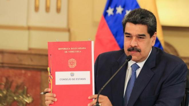 El president de Veneçuela, Nicolás Maduro, durant el Consell de Govern d'ahir al Palau de Miraflores, a Caracas