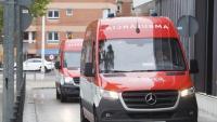 Dues ambulàncies arriben a l'hospital Taulí de Sabadell