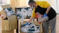 Barcelona rep dotze tones de material de protecció comprat a Xangai per distribuir entre serveis essencials municipals