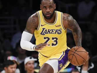 LeBon James estrella dels Lakers