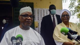 El president de Mali, Boubacar Keita, i la seva dona fa uns dies atenent la premsa
