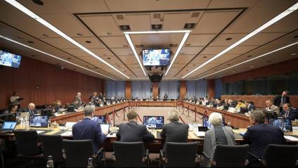 Foto d'una reunió presencial de l'Eurogrup realitz«ada el passat mes de gener