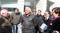 Enric Sirvent, davant els jutjats de Lleida el 20 de febrer de 2019