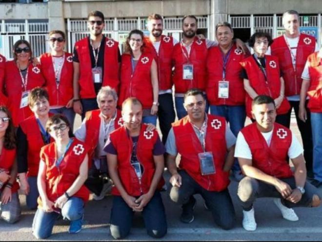 Treballadors de La Creu Roja al Camp Nou