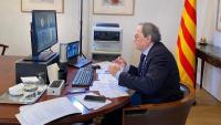 El president de la Generalitat, Quim Torra, fent una videoconferència aquest dijous