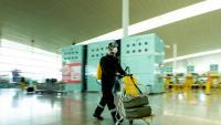 Un militar espanyol a l'aeroport del Prat el març passat