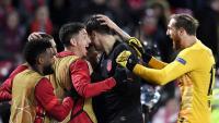 Eufòria de l'Atlético a Anfield, el dia del polèmic partit